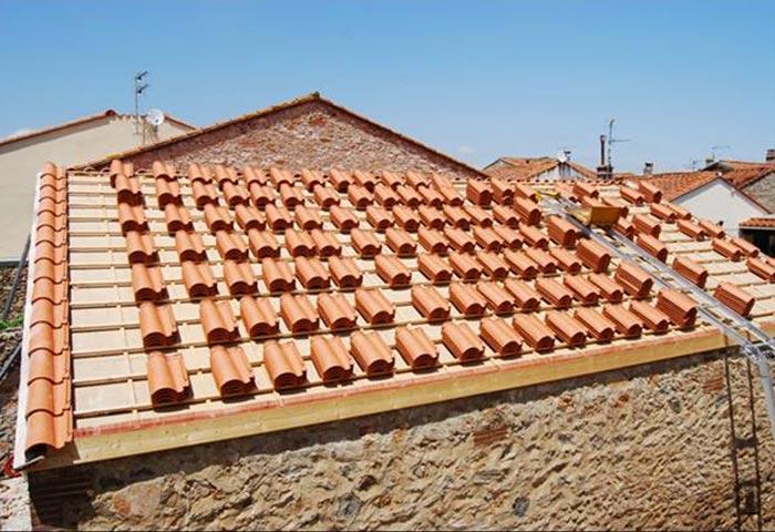 Couvreur de toitures à Linas
